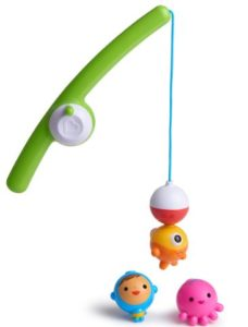 10 Best Bath toys for toddlers and baby so you can avoid sneaky mold growth in your tub. Organization and DIY bath toy storage are important too! You should buy toys without places for water to hide and breed gross black mold. Plus cleaning should be easy. Mold free tub time! @naturalsoapmom.com #bathtoys #tubtime #tubtimetreasures #tubtimethursdays #babybath #babybathproducts #bathtoy #bathtoys